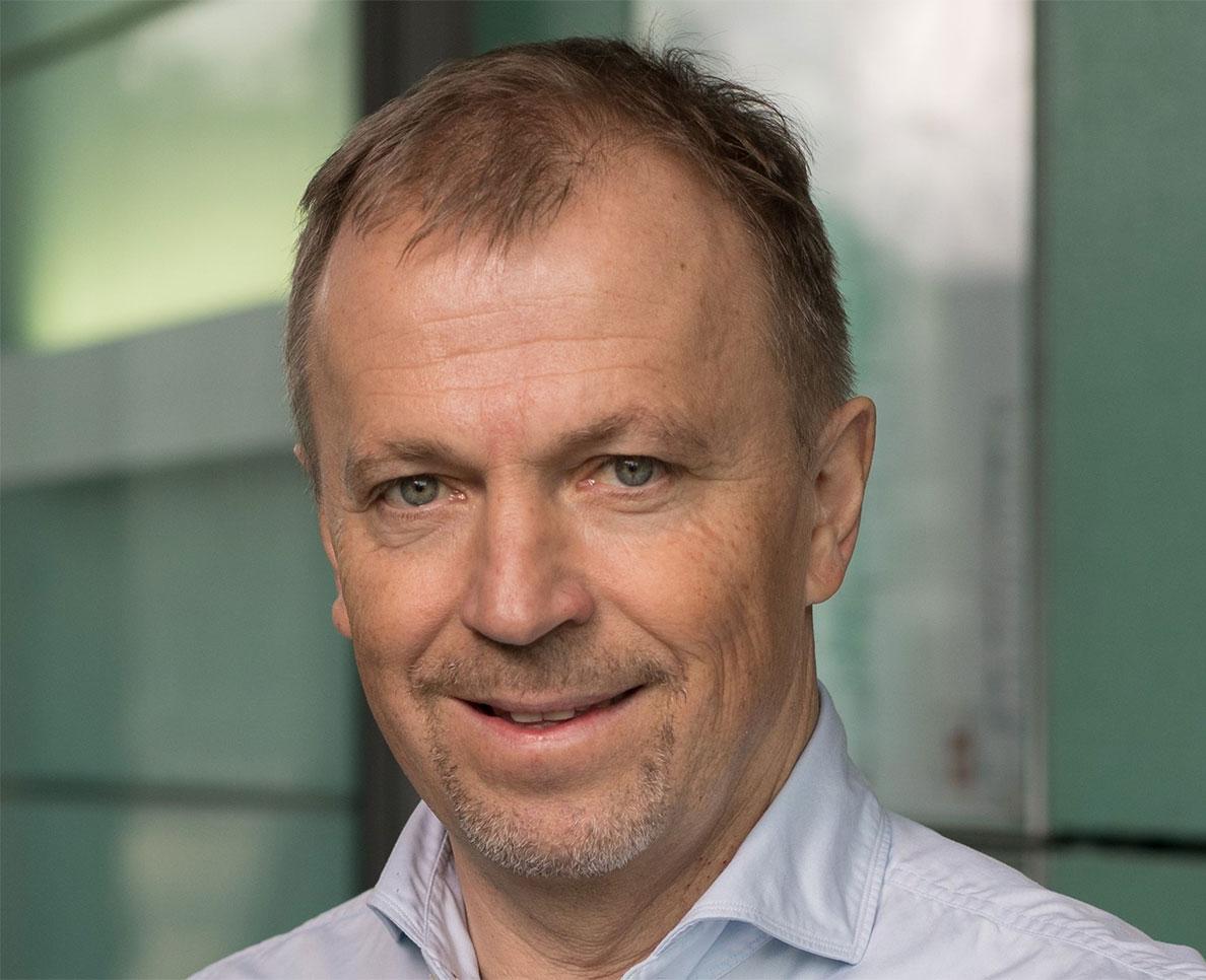 Hirsch教授说,有机电子产品不太可能取代硅技术,但可以用于生物传感和机器人技术等领域。 图片来源-Andreas Hirsch