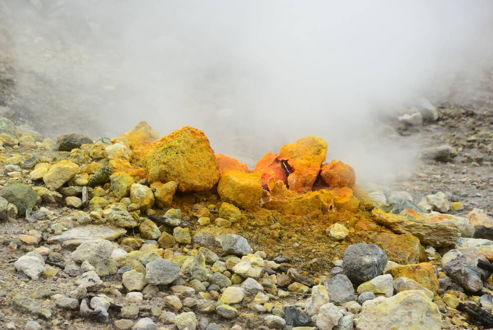 One microbe living in the highly acidic mud volcanoes in Solfatara near Naples, Italy, was found to use rare earth elements in metabolism. Image credit - yiftah-s, licensed under CC BY-SA 3.0