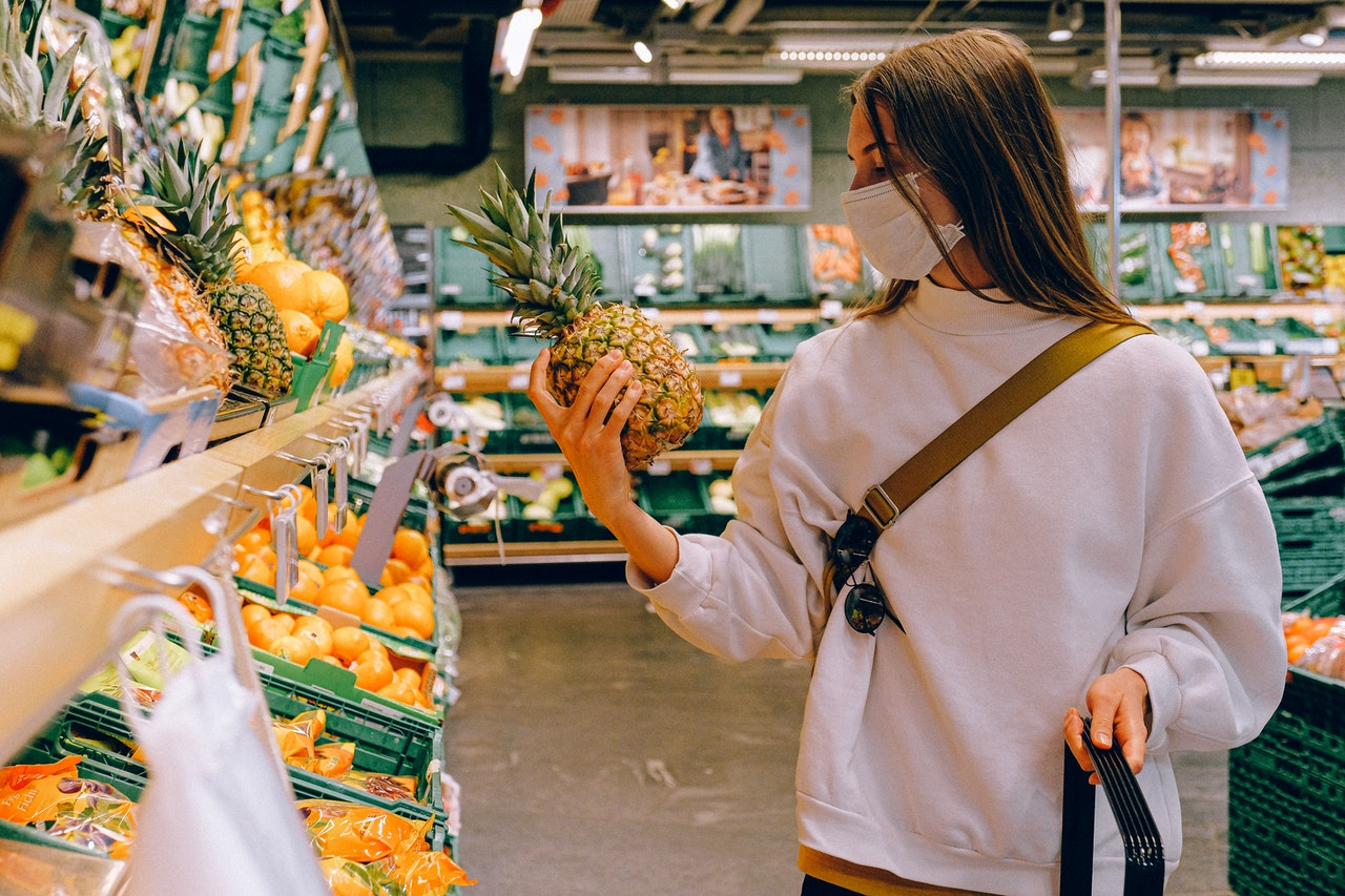 The coronavirus crisis highlights the need to change our food systems, says Prof. Jackson. Image credit - Anna Shvets/Pexels, licenced under CC0