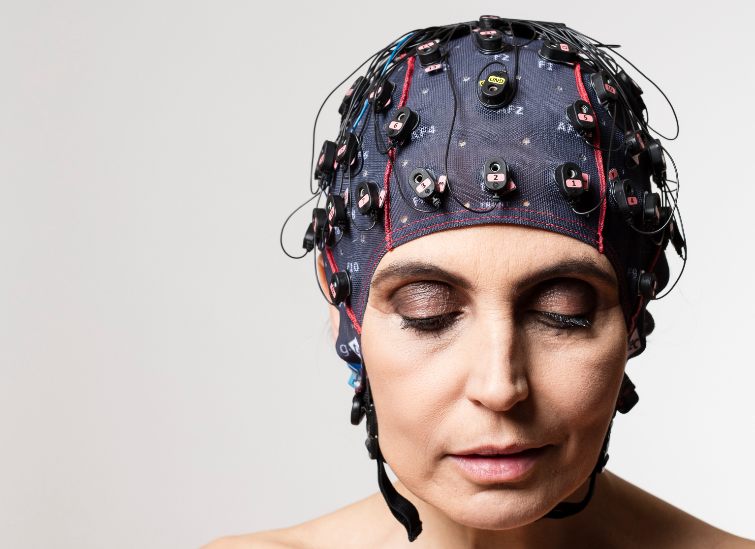 Brainwave Scanners Unlocking The Hidden Lives Of Coma Patients Cool Circuits Puts Your Brain Muscle To Test Electrodes Inside A Soft Cap Which Has Been Tested On Healthy Volunteers Measure Activity Tell If Patient Is Conscious And So