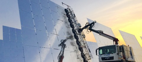 Cleaning and cooling down concentrated solar power plants uses as much water as an Olympic-sized swimming pool every day. Image courtesy of MinWaterCSP