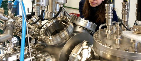 A sophisticated ultra-high vacuum system lets researchers create tiny, perfect 2D materials. Image courtesy of Dr Manuela Garnica Alonso