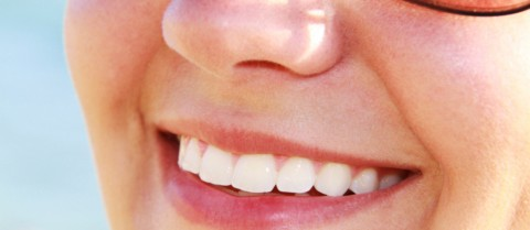 A new material printed onto teeth could help the approximately one in 10 people who suffer from dental sensitivity caused by worn enamel. Image credit – Flickr/ Rupert Taylor