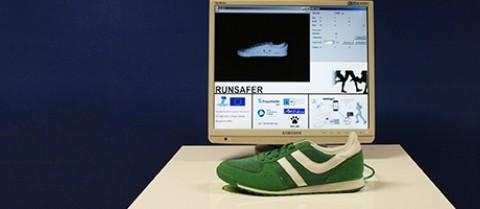 The RUNSAFER project is designing shoes to help runners prevent commonly sustained injuries such as pulled ligaments or torn muscles. © Fraunhofer IPMS