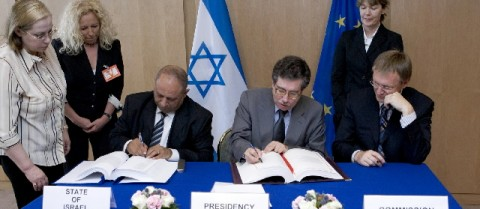 As the Portuguese Minster for Science and Technology, José Gago was heavily involved in European science policy, such as the agreement on the cooperation with Israel in the Seventh Research Framework Programme. Credit: European Union