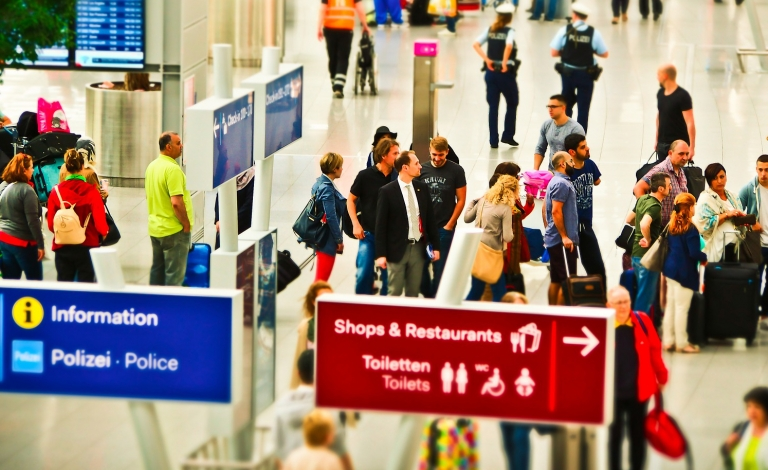 New tools could help travellers get to the airport at the best time to avoid long lines. Image credit: Pixabay/ MichaelGaida