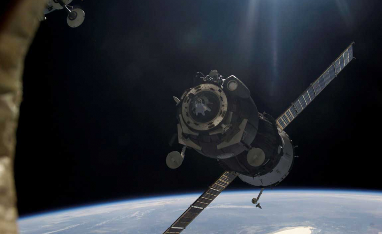 Satellite-fixing robots could revive the more than 3,000 dead satellites in orbit today. Image credit – Pxhere, licenced under CCO