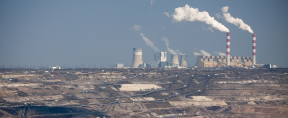 With carbon capture the exhaust of the power stations could soon be only water vapour. © Shutterstock/ Nivellen77