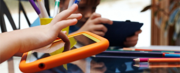 EU-funded projects are integrating technology into the classroom. © Shutterstock/legenda