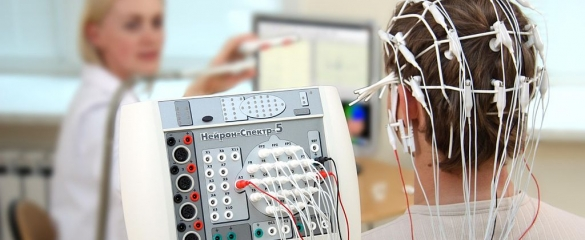 An EEG records the electrical activity of the human brain and is helping to recreate 3D maps of brain activity. Image credit: Baburov, Wikimedia commons CC BY SA 4.0