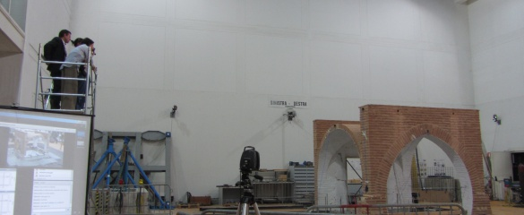 During the PERPETUATE project, researchers used a huge shaking table from the Italian National Agencies for New Technologies and the Environment in Rome to test the vulnerability of model buildings confronted by a simulated earthquake. Here, a model of a vault from the Dey Mosque of Algiers is being tested. © Serena Cattari