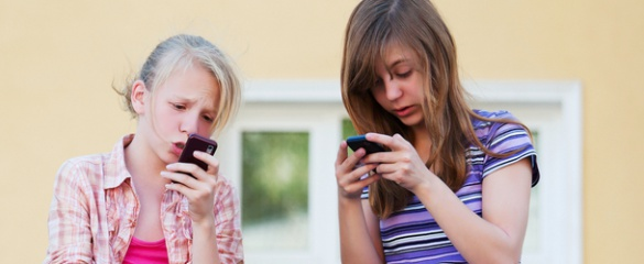 The MOBI-KIDS study is interviewing thousands of young people to work out if there is a link between mobile phone use and brain cancer in children. © Shutterstock/ wrangler