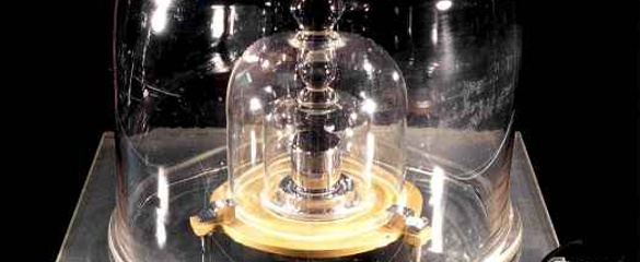 Every kilogram in the world can be traced back to the international prototype kilogram, which is stored in Paris. Image:BIPM