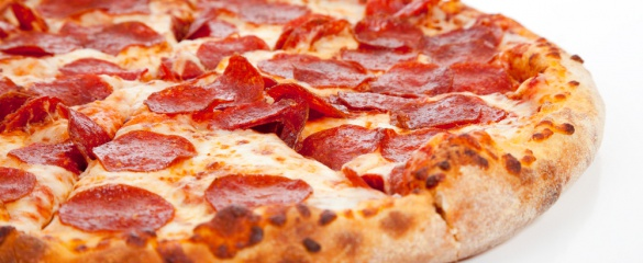 The PLEASURE project is working to improve the taste of low-fat and low-salt versions of pre-packaged foods such as pizza. © Shutterstock