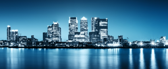 Panoramic picture of Canary Wharf view from Greenwich, London. © R. Nagy/ Shutterstock