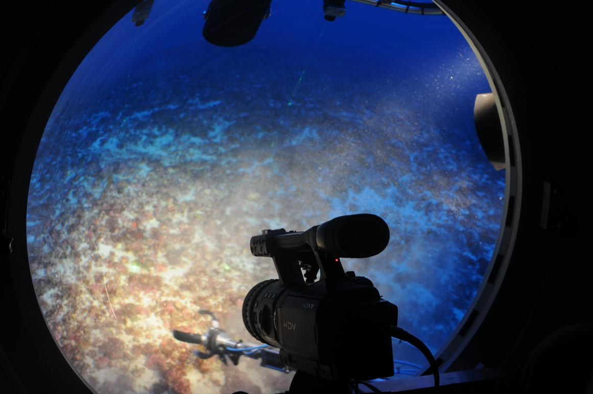 Scientists studying the seabed off the Balearic Islands, Spain, aboard the German research submarine JAGO. © The Spanish Institute of Oceonography (IEO)