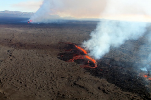 The Bárðarbunga volcano began spouting lava on 31 August 2014 and didn't stop until 27 February 2015, making this the largest lava eruption in Iceland since 1783. Researchers in the EU-funded FUTUREVOLC project were able to go in and test equipment and analysis methods to improve their 'supersite' monitoring system. Once complete, they will hand over the system to civil protection authorities to enable them to continue monitoring volcanic hazards. Image courtesy of FUTUREVOLC